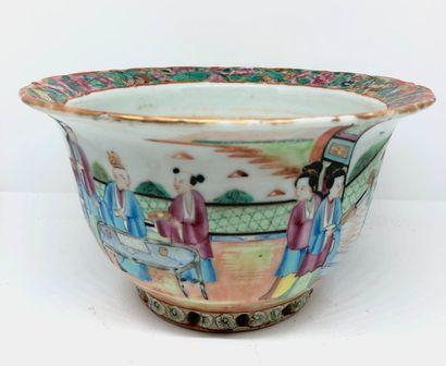 CHINE  Cache pot en porcelaine de canton