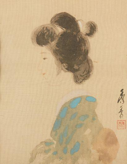 JAPON Peinture sur tissu Portrait de femme signée et cachet. Dim.: 24,5 x19 cm