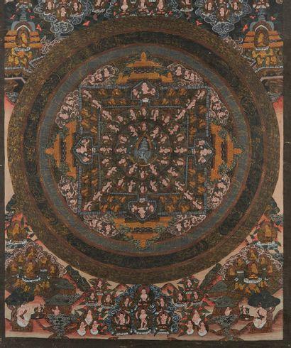 CHINE Intéressant Tanka peint sur toile en polychromie et or avec nombreux personnages...