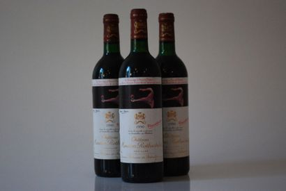 Trois bouteilles de Château Mouton Rothschild...
