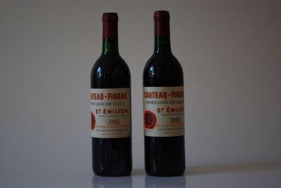 Deux bouteilles de Château Figeac 1989 et...