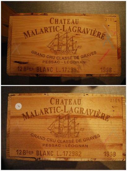 Vingt quatre bouteilles de Château Malartic...