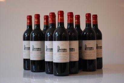 Douze bouteilles de Château Lagrange 2002,...