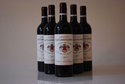 Six bouteilles de Château La Gaffelière 2007,...