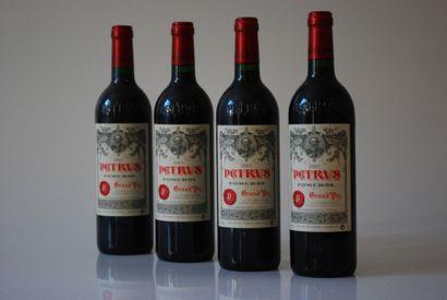 Quatres bouteilles de Petrus 2001, Pomer...