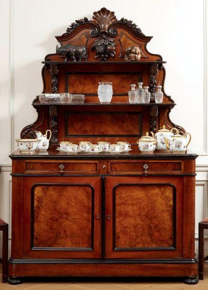 Buffet et son dressoir en placage de ronce...
