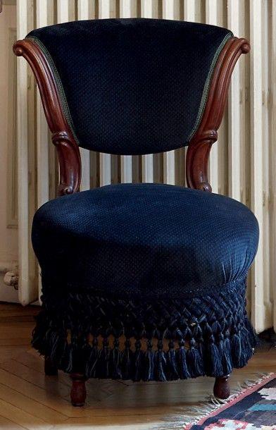 Paire de chaises dites «chauffeuses» en acajou...