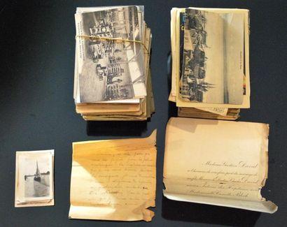 Ensemble de cartes postales.