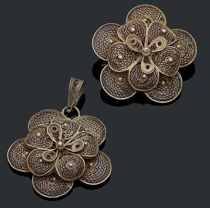 Pendentif et broche fleur en argent (950)...
