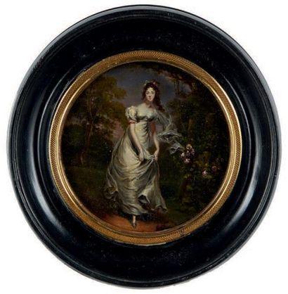 Miniature circulaire figurant le portrait en pied d'une femme en robe blanche dans...