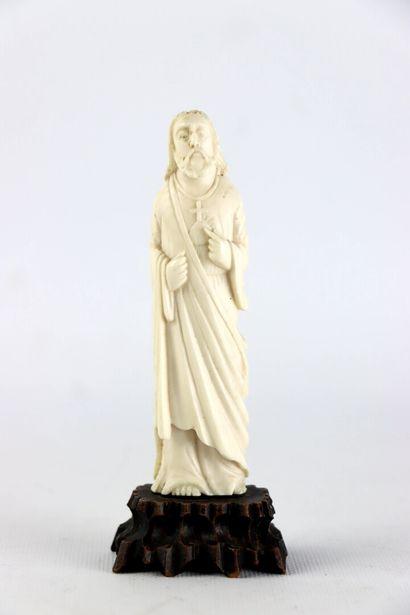 CHINE.  Christ au Sacré Coeur.  Sculpture...