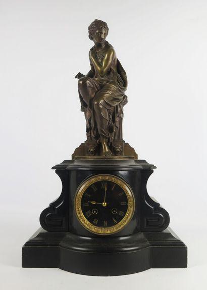 Henry-Etienne DUMAIGE (1830-1888).  Pendule...