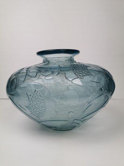 DAUM Nancy France.  Important vase en cristal...