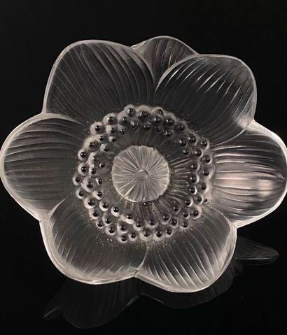 LALIQUE France.  Fleur.  H_ 8.8 cm