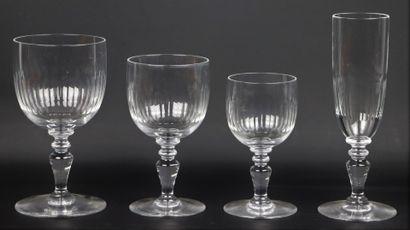 BACCARAT.  Service de verres en cristal taillé,...