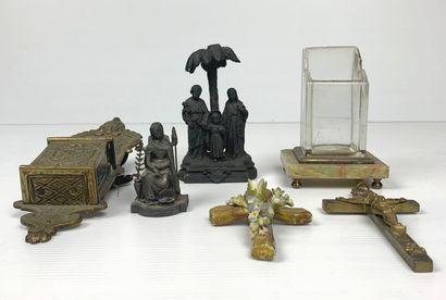 Ensemble de quatre objets religieux comprenant...
