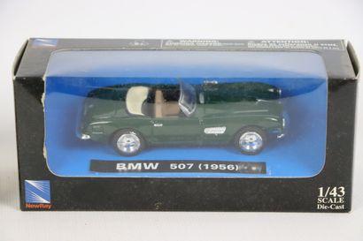 Lot de 9 véhicules miniatures 1/43e.  Boîte d'origine, dont CITROEN 2CV TYPE A2,...