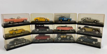 SOLIDO.  Lot de 12 véhicules miniatures 1/43e....