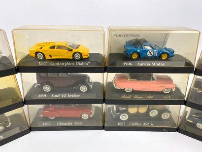 SOLIDO.  Lot de 12 véhicules miniatures 1/43e.  Boîtes d'origine ; dont MASERATI...