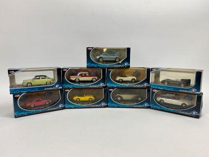 SOLIDO.  Lot de 9 véhicules miniatures 1/43e....