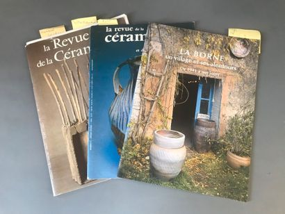 Ensemble de trois catalogues :  La Borne,...