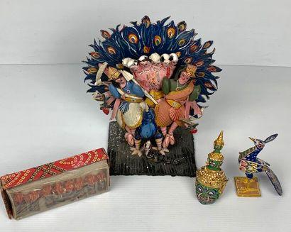 INDE et MEXIQUE.  Trois statuettes dont une représentation divine, une tête de divinité,...