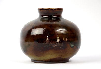 Roger JACQUES (1920-2001).  Vase cylindrique...