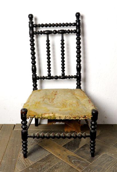 Chaise d'enfant en bois noirci à grains de...