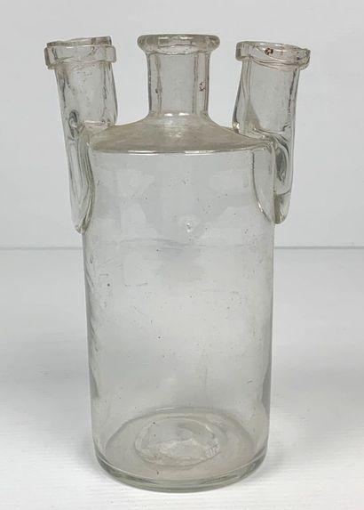 Vase en verre à usage pharmaceutique ou médical,...