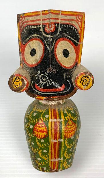 MEXIQUE.  Trois statuettes en bois polychrome.  H_ 10.5 cm à 12 cm