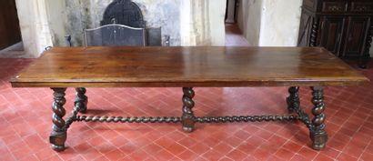 Table de communauté en chêne sculpté, le...
