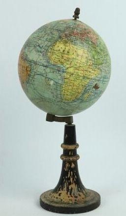 Petit globe terrestre dressé par J. FOREST....