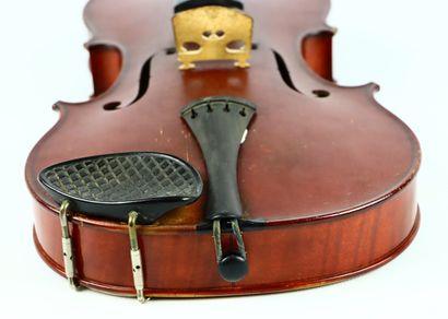 Violon de Gustave BERNARDEL fait à Paris en 1894, numéroté 1666.  Portant étiquette...