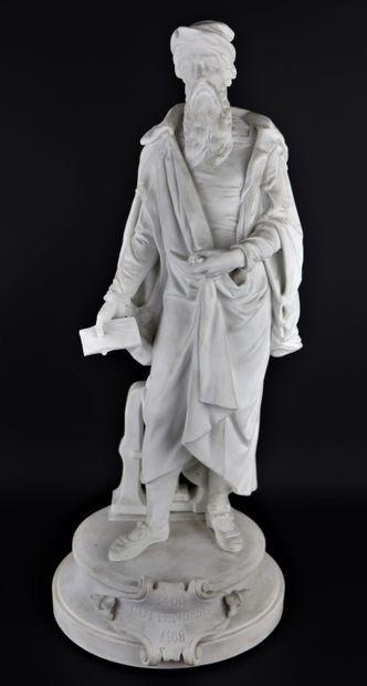 Gutenberg en pied.  Importante statue en...