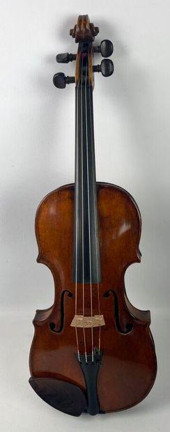 Violon allemand du XVIIIème siècle, attribué à George Kloz.  Il porte une étiquette...