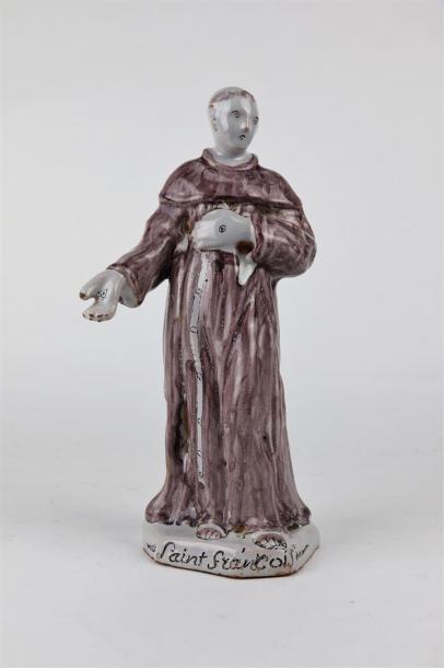 NEVERS.  Saint François d'Assise.  Statue...