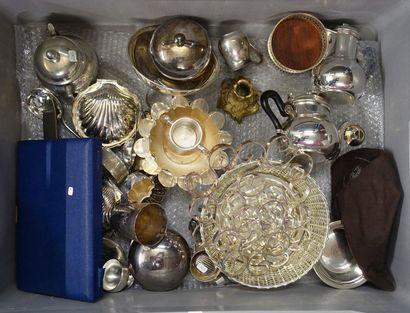 Mannette de metal argenté: Dessous de plats,...