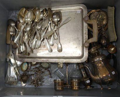Mannette de metal argenté: Partie de service...