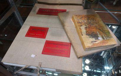 Douze volumes Versailles divers.