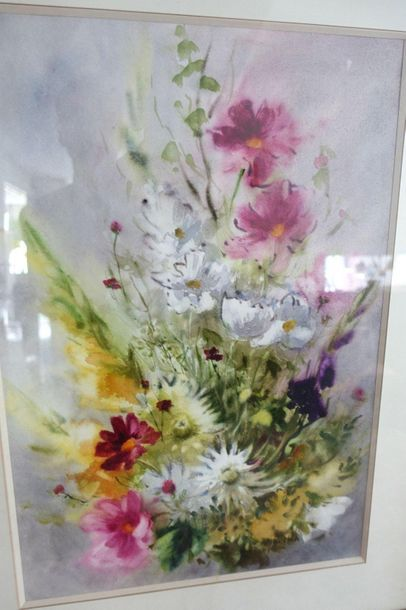 Y. de MARE  Fleurs  Aquarelle encadrée sous...