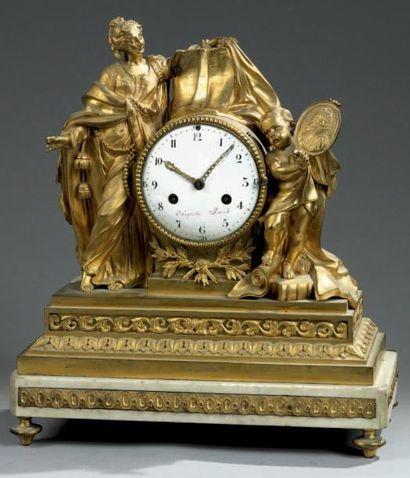 Pendule en bronze ciselé et doré, marbre...