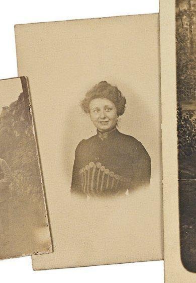 PAGÈS (Madeleine). Portrait photographique...