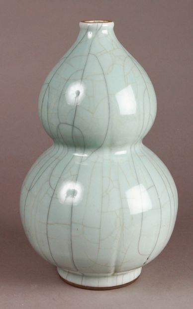 Ge type double gourd vase with a beautiful...