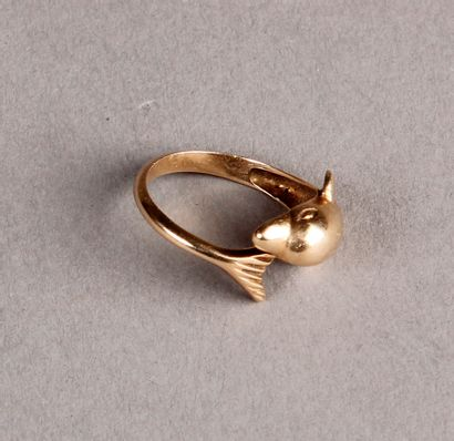 14K gold alloy dolphin ring. Pds: 3.7 g
