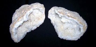 Grande GÉODE de cristaux de quartz blanc...