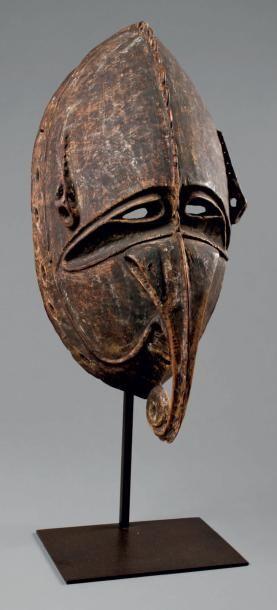 Masque du bas Sepik de Nouvelle-Guinée. Le...