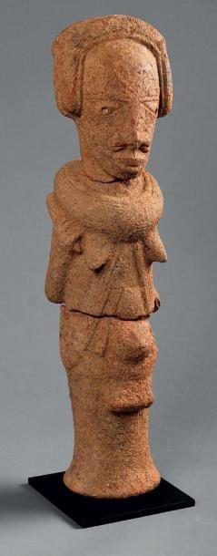 Belle sculpture Nok en terre cuite représentant...