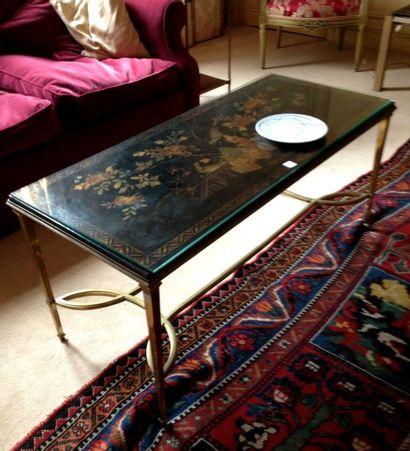 Table basse, le piétement en métal, le plateau...