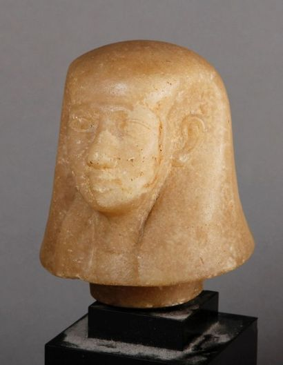 BOUCHON de vase canope représentant une tête...