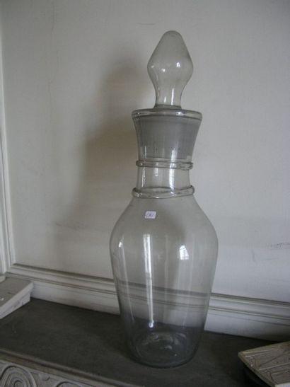 Grand vase couvert en verre. H. 125 ...